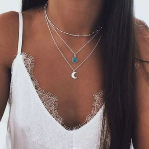 ⚜️[𝟯/$𝟮𝟴]⚜️Layered Turquoise Moon Necklace New